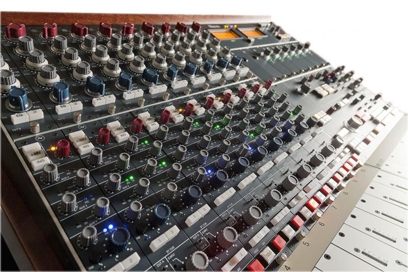 AMS Neve BCM10/2 Mk2 - 32 Channel